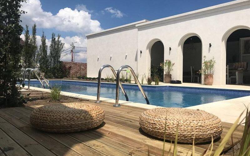 Elia Vama Veche piscina