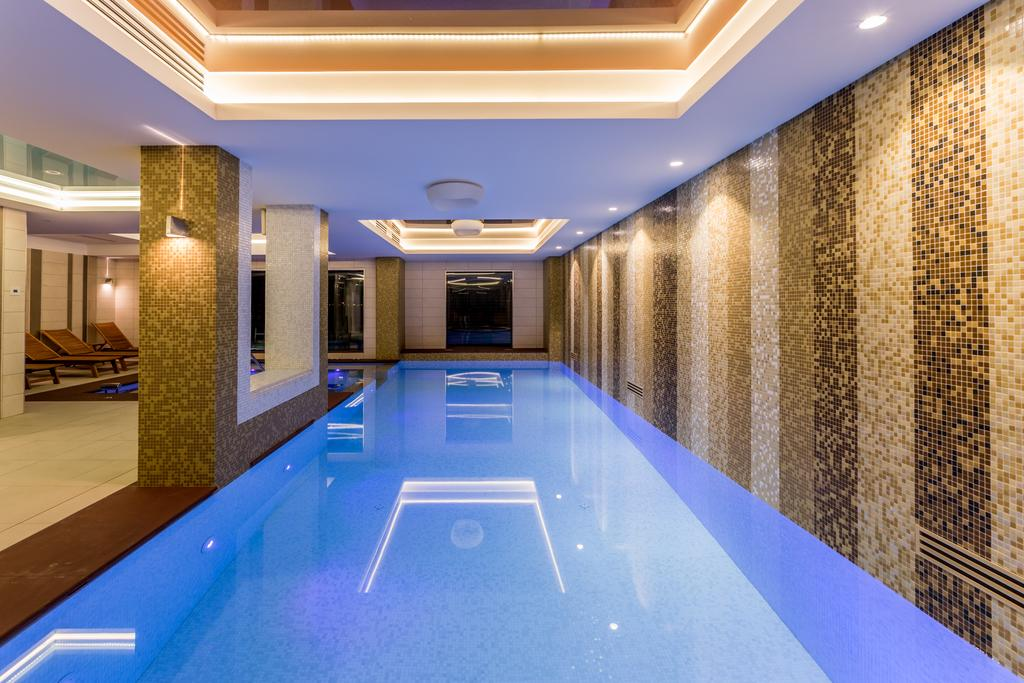 piscina interioara splendid concerence spa hotel adults only