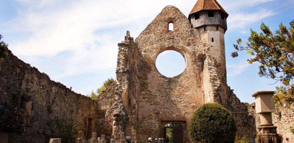 Trebuie Să Ajungi Neaparat Aici Abația Cistercianâ Cârța